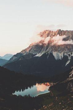 ikwt:  Sunset by the mountains (jannikobenhoff) |ikwt