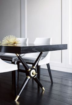 Great table| Brendan Wong | Darlinghurst Loft