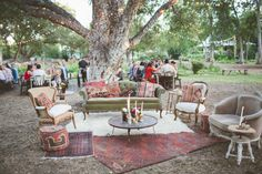 Boho Farm Wedding: http://www.bellesandbubbles.com/boho-farm-wedding-texas | Photography: http://thenicholsblog.com