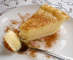(Milktart) I think this is the melktert (milk tart) pie that absolutely wonderful!I think this is the melktert (milk tart) pie that absolutely wonderful! South African Desserts, South African Dishes, South African Recipes, Africa Recipes, South African Braai, Tart Recipes, Dessert Recipes, Cooking Recipes, Oven Recipes