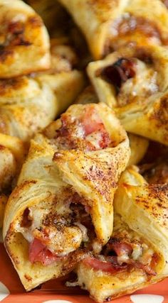 Ham and Cheese Pastry Puffs ~ These are easy to make and taste amazing