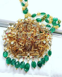 Antique Jewellery, Jewellery Designs, Gold Jewelry, Jewelery, Pearl Chain, Hyderabad, Diaries, Emerald, Dj