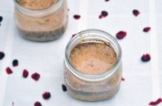 10 Overnight Oats Recipes to Make Mornings Easier   Gingerbread Oats: Like a cookie in a jar? Oh yes. My Wholefood Life's King says a trio of warm spices (cinnamon, ginger and molasses) pair well with the maple syrup to give the feel of a gingerbread cookie. The chia seeds and flax meal add healthy fat and fiber that will keep you full all morning long.