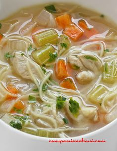 Chicken soup with vermicelli Pressure Cooker Chicken, Pressure Cooker Recipes, Healthy Breakfast Recipes, Healthy Dinner Recipes, Ramen Noodle Recipes, Noodle Soup, Ramen Noodles, Clean Eating Soup, Best Crockpot Recipes