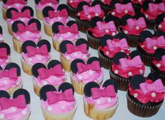 Minnie Mouse Cupcakes ~ NutMeg Confections
