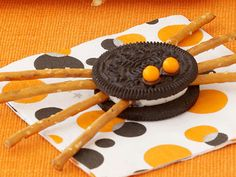 Really cute, easy Oreo Halloween treat.