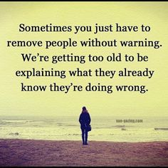 Super Quotes About Moving On From The Past Life Lessons People Ideas New Quotes, Happy Quotes, Quotes To Live By, Inspirational Quotes, Wisdom Quotes, Today Quotes, Inspire Quotes, Fact Quotes, Meaningful Quotes