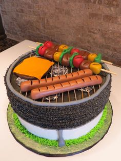 Grill - Grill cake using CC tutorial - thanks! Buttercream, fondant food Grill - Grill cake using CC tutorial - thanks! Buttercream Fondant, Fondant Cakes, Cupcake Cakes, Food Cakes, Cupcakes, Unique Cakes, Creative Cakes, Bbq Cake, Realistic Cakes