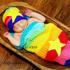 Will probably make something like this, but without the tacky stars. Newborn Pictures, Baby Photos, Cute Kids, Cute Babies, Crochet Baby Cocoon, Billy The Kids, Baby Faces, Wishes For Baby, Rainbow Baby