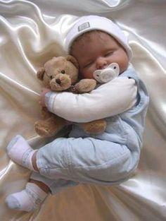 Ik slaap met mijn lieve beer!
