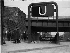 Berlin, Ringbahnbrücken - U-Bahnhof-Eingang Frankfurter Allee (1931)