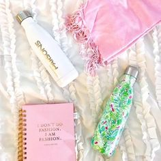 Reviewing the infamous S'well Bottle today on the blog! Tap the link in my bio to read all about whether or not it's really worth $40! #ShopStyle #ssCollective #MyShopStyle #shopthelook #lillypulitzer #preppy #preppygirl #cocochanel