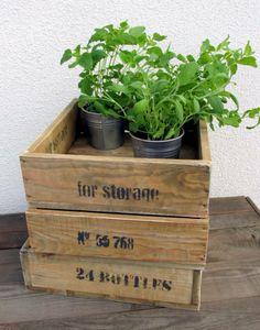 skrzynki vintage ze strony meblevintage.com.pl