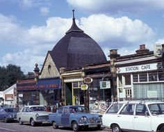 Here's What London Looked Like In 1975 London History, Local History, Vintage London, Old London, Croydon London, London Look, Old Street, Bus Station, South London