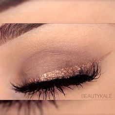 ✨ Metallic Rose Gold Liner with matte nude eyeshadows ✨ enjoy friends ba hiwam bdltan bet gulakanm  Products used:  Lashes: obviously my favourite lashes  @lillyghalichi @lillylashes in style NYC  Brushes: @makeupaddictioncosmetics  Rose gold liner: made it myself, mixed the @inglot_cosmetics duraline and a rose gold colour to crease the liner