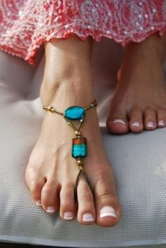 Boho beach. I hope these barefoot sandals become more popular this summer, cos I love 'em.