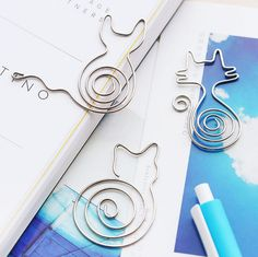 Cute Hollow Out Flower Bird Cat Metal Bookmark Paper Clip School Office Supply Gift Stationery H1249