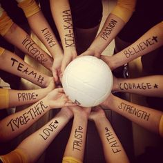 Can we do this at banquet? What a cool photo this would be!! Ask the varsity girls what they think...fun!!