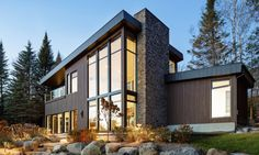 BONE Structure completed a luxury net-zero home in California for Stanford Professor Mark Jacobson.