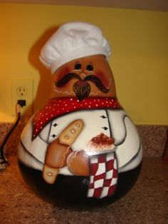 chef ~ gourd This reminds me of Jillian at the Moo Boo Chef Kitchen Decor, Gourds Birdhouse, Painted Gourds, Christmas Mason Jars, Chicken Art, Decoupage, Paracord Projects, Gourd Art, Tole Painting