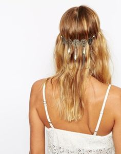 ASOS – Filigraner Haarschmuck mit Kunstperlenverzierung