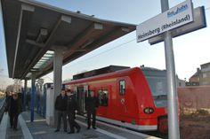 Die RB33 am neuen Bahnhof in Heinsberg, der direkt im Stadtzentrum in unmittelbarer Nähe zum Busbahnhof liegt.