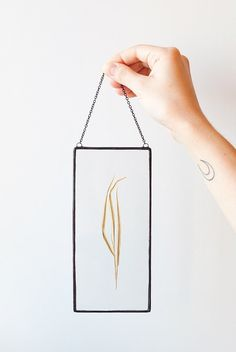 Handmade glass framed herbariums with real dried leaves. You can stand it on the shelf or hanged on the wall, and it would became beautiful and unique