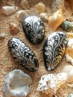 painted stone by sydn_art,,,,, the silver
