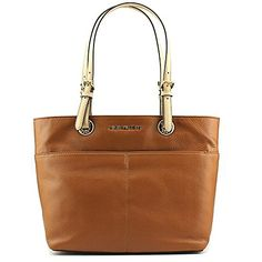 Michael Kors Bedford Pocket Tote Leather  http://stylexotic.com/michael-kors-bedford-pocket-tote-leather-2/