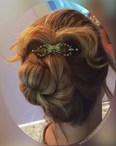Gorgeous green and gold dragonfly flexi clip holds this fun tails up bun hairstyle. It's hard to believe a small clip will hold all that hair! But I know it does because that's my hair and my flexi clip :)