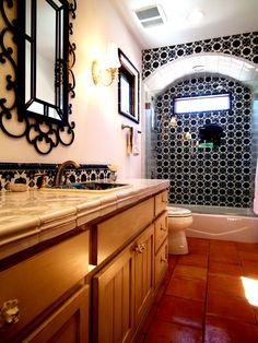 Mexican Tile Bathroom Ideas Decorating Impressive Reformed Home with Saltillo Tile Flooring Spanish Bathroom, Spanish Style Bathrooms, Bad Inspiration, Bathroom Inspiration, Home Design, Design Ideas, Design Styles, Mexican Style Homes, Bad Styling