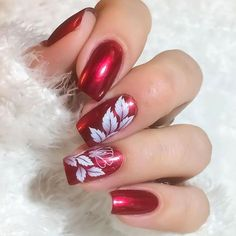 In our lives, there must be a lot of girls who like nails! Imagine that your delicate fingers have very delicate nails on your fingers,… Rose Gold Nails, Red Nails, Color Nails, Elegant Nails, Stylish Nails, Colorful Nail Designs, Cute Nail Designs, Pretty Nail Colors, Pretty Nails