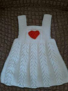 Openwork Heart Ornament Made Child Gilet. 3 years old - Kindermode Diy Crochet Sweater, Knit Baby Sweaters, Knitted Baby Clothes, Girls Sweaters, Girls Knitted Dress, Knit Baby Dress, Baby Cardigan, Knitting For Kids, Baby Knitting Patterns