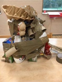 Kosteloos materiaal verpakken in bruin tape.