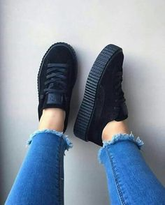 48 Ideas For Sneakers Puma Rihanna Creepers Tenis Puma Rihanna, Rihanna Puma Creepers, Black Creepers, Puma Creepers Outfit, Fenty Creepers, Puma Suede, Sock Shoes, Cute Shoes, Outfit