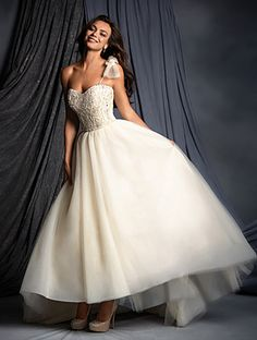 Alfred Angelo 2505 A , $600 Size: 12 | Sample Wedding Dresses