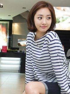 Go Joon Hee – Actress – Lucky Post – Cute Girl in Korea Medium Hair Styles, Short Hair Styles, Chin Length Hair, Beautiful Asian Women, Hair Day, Korean Beauty, Short Hair Cuts, Hair Lengths, Hair Trends