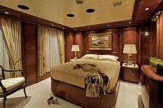 Omega Yacht, cabin