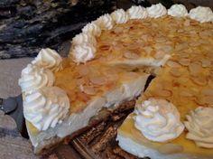 Eierlikör- Tiramisu- Torte mit Amarettiniboden  und Ananas, ohne backen