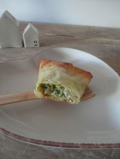 L'été s'accompagne de convivialité, d'apéros, de salades et de légèreté ! Cette recette trouvée sur le blog 'Dans vos assiettes' est sim...