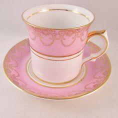Vintage English Bone China Tea Cup/Saucer Gold Lace Motif on