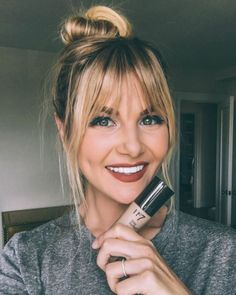 I want her bangs & lip color! @amberlfillerup