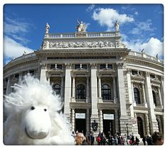 Let's start a tour in Vienna! Here I'm at the Burgtheater! Opened 1888;