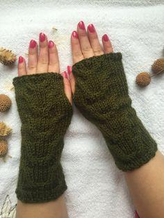 Hand Knitted Fingerless Gloves Female green by PinarKnitting