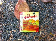 Los dinosaurios, de mini Larousse. El primer acercamiento a los libros de dinosaurios