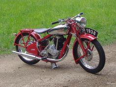 Jawa clásicas | Jawa Vintage Cafe Racer, Vintage Bikes, Vintage Motorcycles, Vintage Cars, Classic Motors, Classic Bikes, Classic Motorcycle, Jawa 350, Bobber Chopper