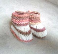 bbdbd6f882a1f Chaussons bébé laine chaussons bébé 0 3 mois chaussons fille Chausson  Fille