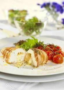 Paupiettes de poulet à la mozzarella Avec un couteau bien aiguisé, faites une poche profonde dans chaque filet. Mélangez le jus d...