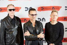 «Dipi Shmot? Вы серьезно?» Репортаж из шикарного миланского отеля, где Depeche Mode говорят о белорусском футболе и вспоминают поход по минским барам - Люди onliner.by