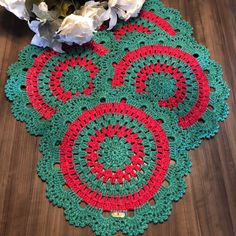 Sousplat Colorido de Crochê Natal no Elo7 | Dasde Artes - Table Decor (989540) Crochet Placemats, Crochet Doilies, Crochet Stars, Free Crochet, Hobbies And Crafts, Diy And Crafts, Crochet Bedspread, Christmas Crochet Patterns, Crochet Projects
